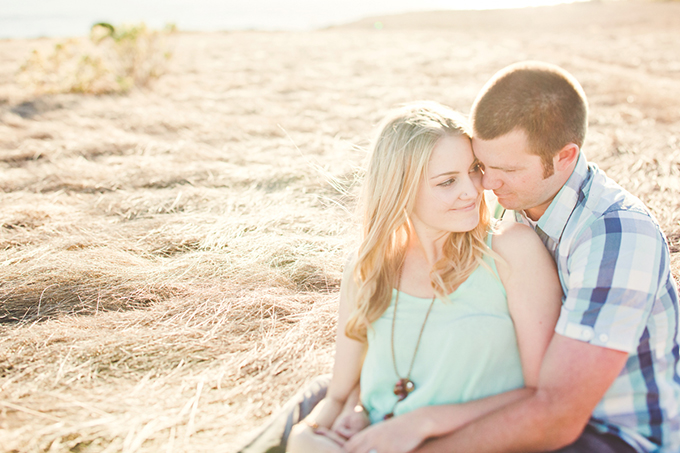 cliffside engagement   Lindsey Gomes Photography