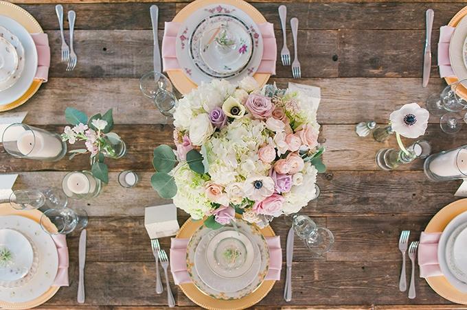 romantic vintage estate wedding   Sun & Sparrow   Glamour & Grace